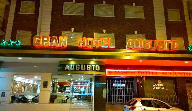 hotel-augusto-04-5afee34f221da.jpg